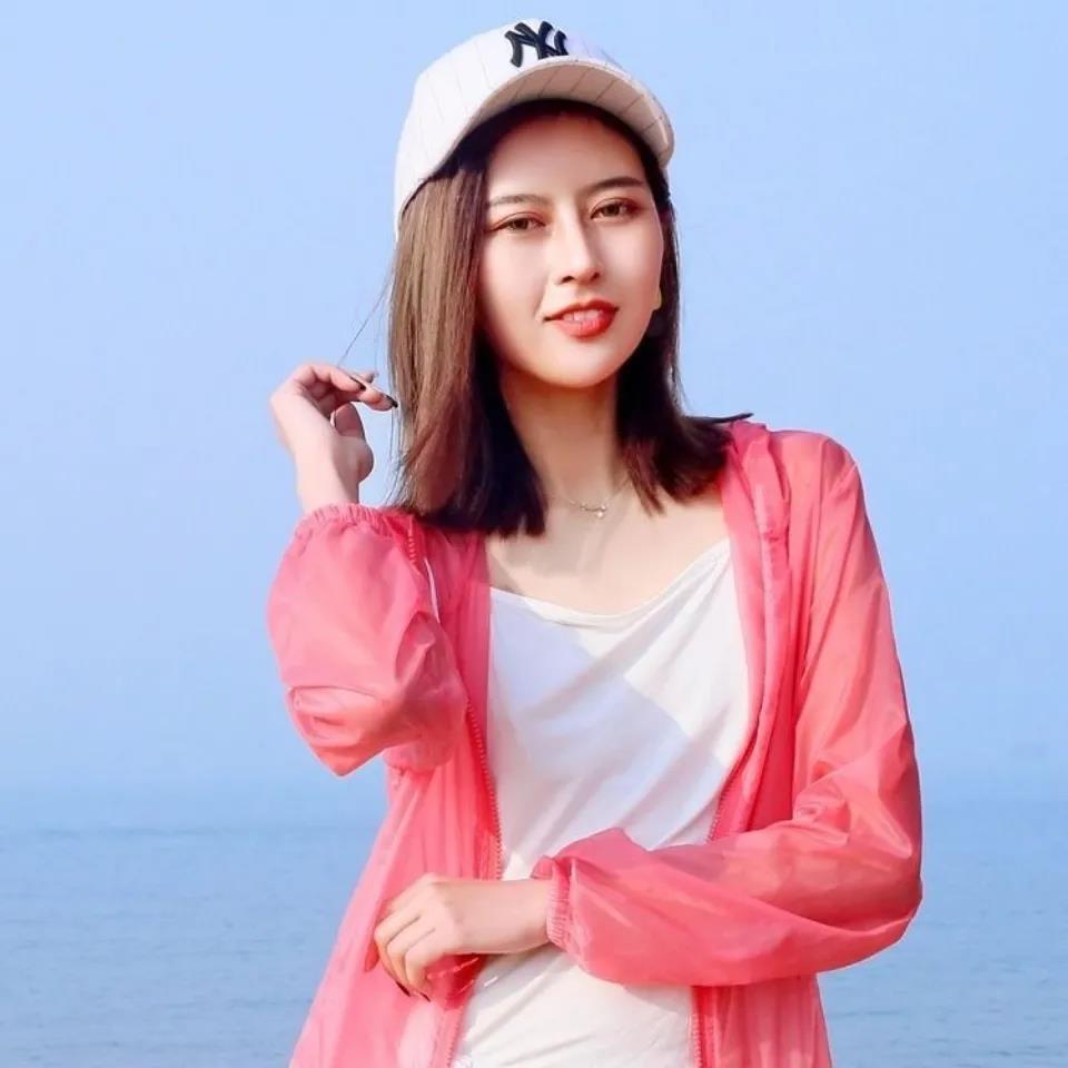 女士韩版夏季新款短款宽松超薄透气速干连帽