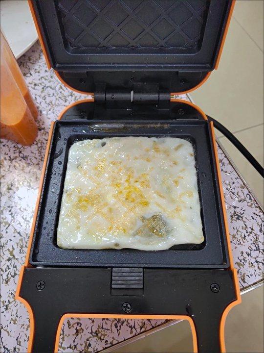 米小白家用三明治早餐机