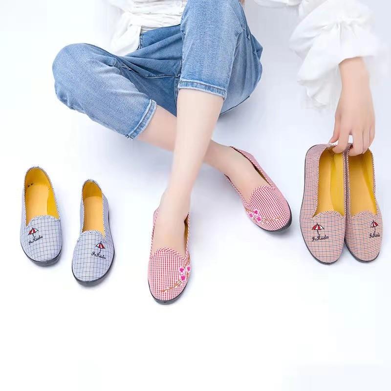 工厂直销新款老北京布鞋透气舒适女鞋