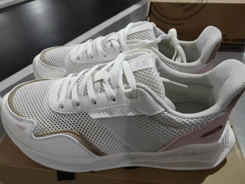 361度女鞋NFO科技运动鞋跑