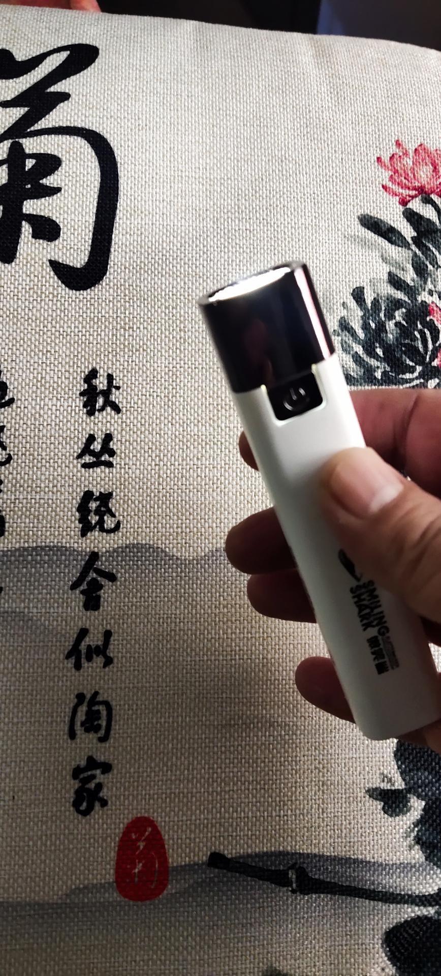 手电筒特种兵强光可充电充电宝多功能