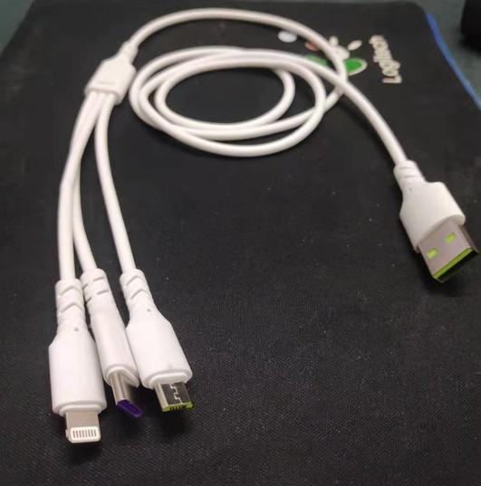 5A超级快充拉伸数据线三合一充电线